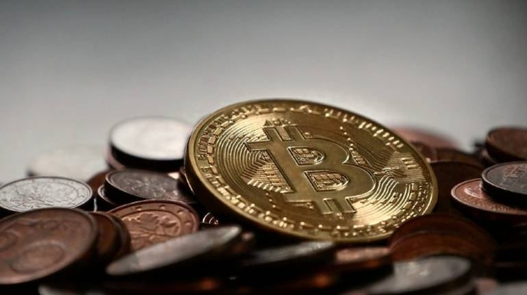 Bitcoin tumbles after Turkey bans crypto payments citing risks